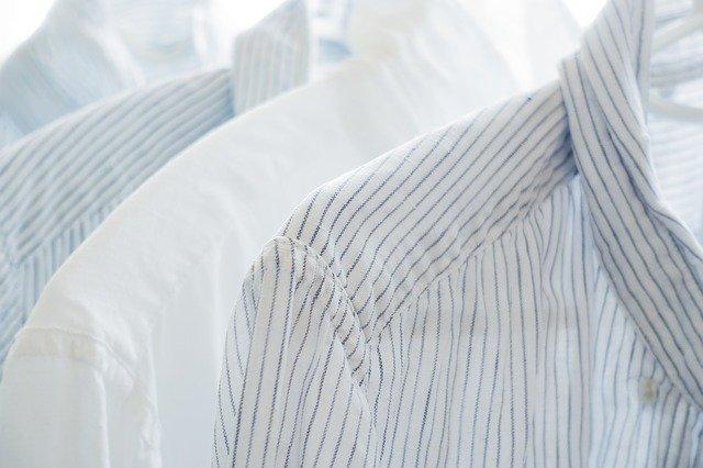 pullover met overhemd dragen